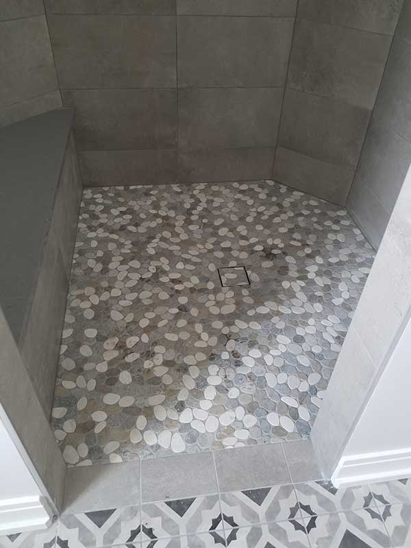 Porcelain & Mosaic Bathroom